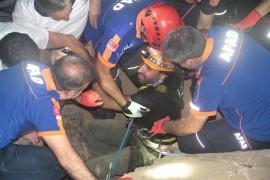 Mağarada mahsur kalan TV ekibi 6 saatlik çalışmayla kurtarıldı