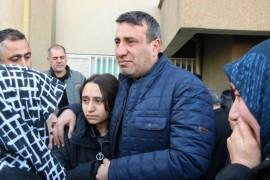 (Özel) Elini tutamadığı için oğlu ölen baba kızının elini bırakmadı
