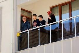 Elazığ'da gençlere sürpriz doğum günleri