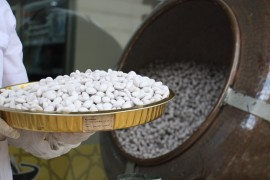 """Elazığ'ın """"Beyaz Altını"""" badem şekerinde Ramazan bereketi"""