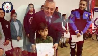 Elazığ polisinden, 23 Nisan klibi