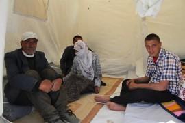 Elazığ'da evi yanan 2 çocuğu engelli aile çadıra yerleşti
