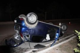 Kontrolden çıkan otomobil ağaçlara çarparak takla attı: 1 yaralı