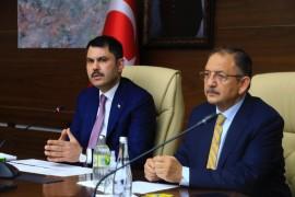 """Bakan Kurum, """"Elazığ'da 19 bin 300 konutun inşasını başlattık"""""""