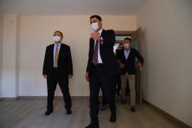 Bakan Kurum Elazığ'da, yapımı süren deprem konutlarını inceledi
