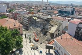 Elazığ'da Kent Meydanı için yıkım çalışması başlatıldı