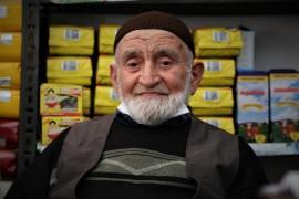 Elazığ'ın en yaşlı esnafı 85 yaşında işinin başına döndü