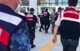 Elazığ'da aranan 2 şüpheli çadırda yakalanıp, tutuklandı