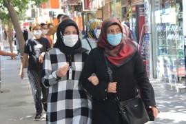 Covid-19 artınca, Elazığ'da herkes maske takmaya başladı