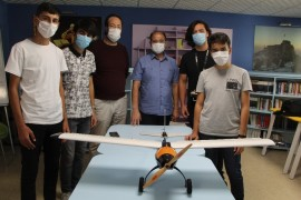 Elazığ'da öğrenciler ürettikleri drone ile birinciliği hedefliyor