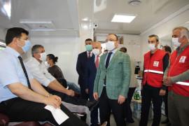 Elazığ'da gönüllü  din görevlileri kan bağışında bulundu