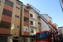 Elazığ'da çatı yangını büyümeden söndürüldü