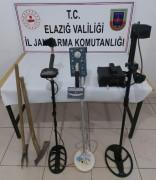 Elazığ'da kaçak kazıya suç üstü operasyon:5 gözaltı