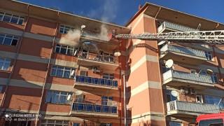 Elazığ'da yangın, 6 kişi dumandan etkilendi