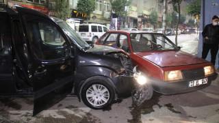 Sokağa çıkma kısıtlaması başladığı saatlerde kaza: 2 yaralı