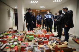 Elazığ'da 1,5 ton bozulmuş hurma yakalandı, sahibi yiyerek bozuk olmadığına inandırmaya çalıştı