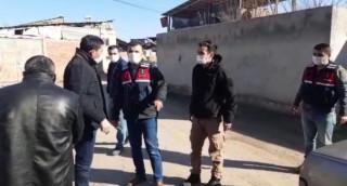 Elazığ'da bazı evler hasar gördü, sokağa çıkma kısıtlamasına esneklik sağlandı