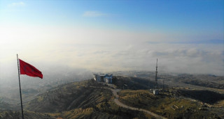 Elazığ'da sis etkili oldu, kent bulutlar altında kaldı