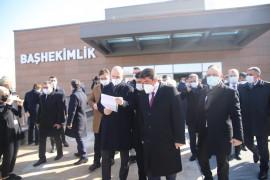 Bakan Soylu, Şehit Fethi Sekin'in  babası ile kanaat önderi Nazırlı'yı hastanede ziyaret etti