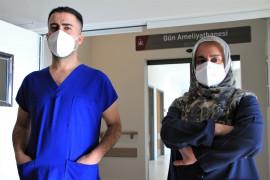 """Covid-19'u iki kez atlatıp görevlerine dönen sağlıkçılar uyardı: """"Bu işin şakası yok"""""""