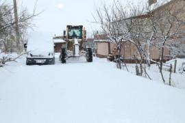 Elazığ'da 24 saat kar mesaisi