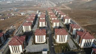 Elazığ'da 676 depremzede daha çekilen kurayla evlerine kavuştu