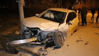 Elazığ'da  minibüs ile otomobili çarpıştı: 5 yaralı