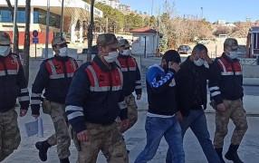Depremzedeler yerleşmeden kombileri çalındı, 2 şüpheli tutuklandı