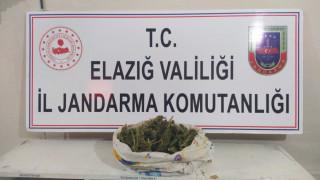 Elazığ'da jandarma ekipleri, 1 şüpheliyi uyuşturucu ile yakaladı