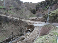 Heyelan nedeniyle kapanan köy yolu, ulaşıma açıldı
