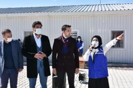 İstiklal Marşı'nın 10 kıtasını ezbere okuyan  Suriyeli Aye, duygulandırdı