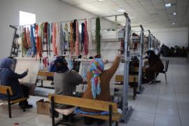 Mahalledeki sosyal tesis, 13 yıldır kadınlara iş kapısı oluyor