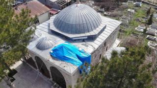 Tam 386 yıllık, 4.Murat'ın yaptırdığı caminin minaresi söküldü