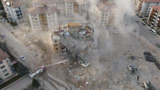 İki depremde 16 bin 773 yapı ağır hasar aldı, 5 bin 664'ünün yıkımı yapıldı