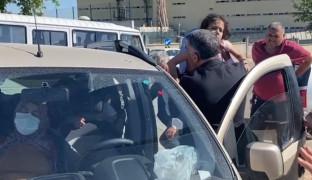 Elazığ'da iki araç çarpıştı: 8 yaralı, çocukları araçtan milletvekili Erol  çıkardı