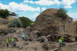 Elazığ'da tarihi hamamda restorasyon çalışmaları başladı