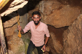 Harput'a çıkanların uğrak noktası Buzluk Mağarası, giren 5 dakika duramıyor