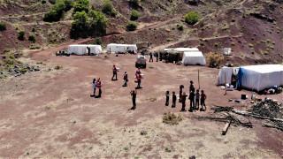 """Mangal kömürü işçilerinin çadırda yaşamı başladı """"Bizim alnımızın teri ve mutluyuz"""""""