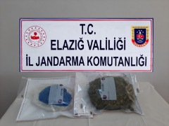 Elazığ'da araca zulalanmış vaziyette 1 buçuk kilo esrar ele geçirildi