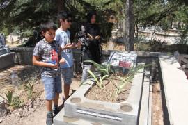 Elazığ'da arefe günü mezarlıklarda ziyaretçi yoğunluğu