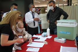 Elazığ'da aşı stantları oluşturuldu
