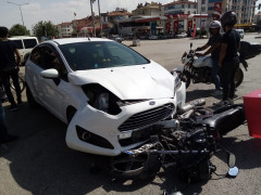 Elazığ'da otomobilin çarptığı motosiklet sürücüsü ağır yaralandı