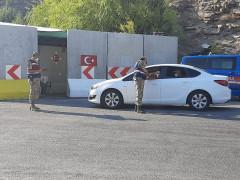 Kebanda jandarma uygulama yapıp vatandaşın bayramını kutladı