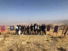 Muşar Dağı zirvesinde resim sergisi